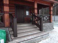входная лестница в деревянный дом возможно